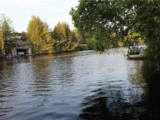 Classic 5 Bedroom Cottage In Fenelon Falls, Kawartha Lakes