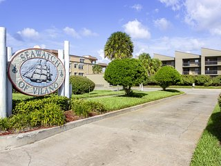 New Listing ~ Direct Oceanfront Condo ~ Steps to the Beach & Restaurants!