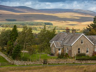 Yethouse Farm Cottage, 4* sleeps 8, dog friendly, Newcastleton, Scottish Borders