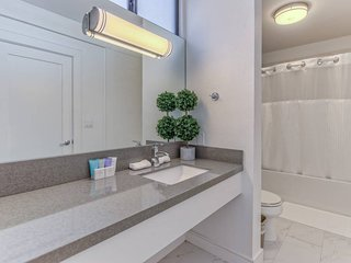 205 · Hollywood Hills Hotel - new private studio