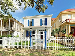 Unique Galveston Gem! Fully Renovated Historic Home w/ Porch & Backyard