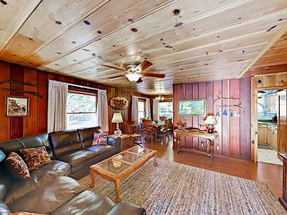 Classic Cabin w/ Front Porch Swing & Deck - Walk to Heavenly Village & Beach