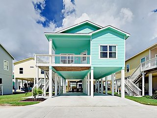 2BR at Coral Reef Cottage w/ Boat Parking, Bay Views & Pool