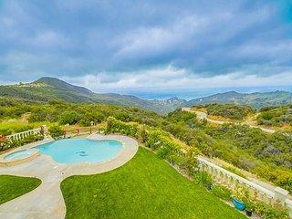Epic Ocean Vista! Stunning 3BR Hillside Villa w/ Lagoon Pool, Spa & Fire Pit