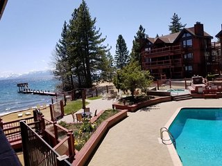 Beautiful Edgelake Beach Club ~ 1 BR Unit ~ Private Beach ~ Lake & Mountain View
