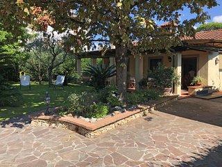3 bedroom Villa in Forte dei Marmi, Tuscany, Italy : ref 5052772