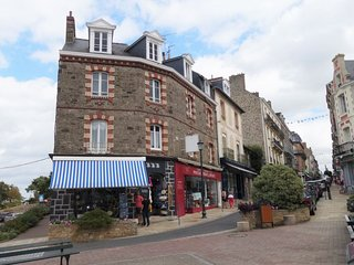 2 bedroom Apartment in Dinard, Brittany, France : ref 5674143