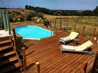 Old Tobacco Barn.retreat Spacious French property with pool and stunning views.