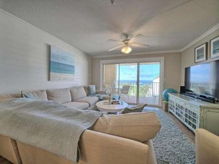 Totally Renovated Two Bedroom Condo With Bunks. Amazing Gulf Views. Free Wifi an
