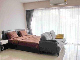 Studio B203 Chic Condominium