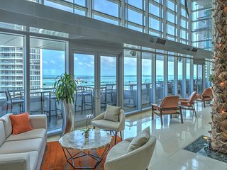 Lavish Conrad One Bedroom Apartment in the heart of Brickell