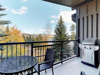 NEW LISTING! Condo w/private balcony & lake view plus indoor hot tubs & pool