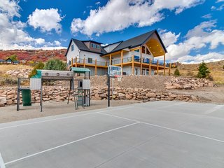 NEW LISTING! Gorgeous Bear Lake getaway with private hot tub and game room!