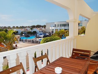 Lovely 2 bed duplex at The Palms with two large sunny terraces