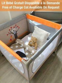 Un lit bébé vous est gracieusement mis à disposition sur demande. N'hésitez pas à nous contacter.