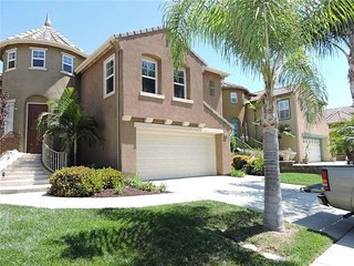 Beautiful 4 Bedroom 3 bath 3717sqft home, sleeps 14