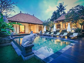 Villa Heron Ubud With 6 BR + Include local Transport