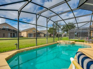 Amazing 5 bedroom home private pool & jacuzzi 161