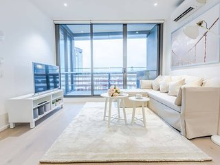 Beautiful Place that Sleeps 4 in Docklands