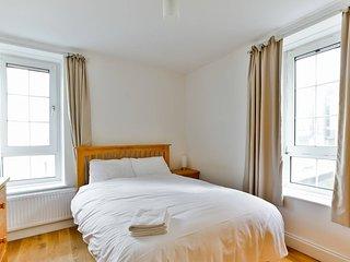 Cosy 2 bedroom flat near Canary Wharf