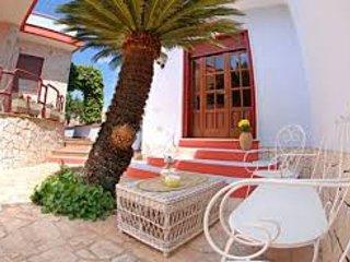 Perrone Apartments - Appartamenti ad uso turistico La Cycas