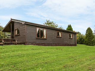 CABIN 2, all ground floor, open plan living area, parking, garden, in Ballyconne