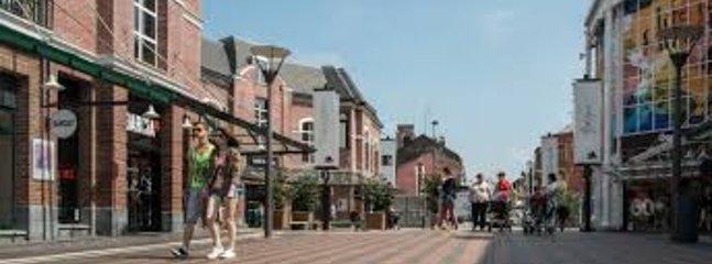 L'outlet Glen Mac Arthur (à 10 mn à pied) est un lieu incontournable pour faire du shopping.