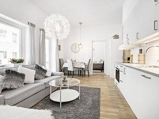 High-End City Center Apartment Near Train Station