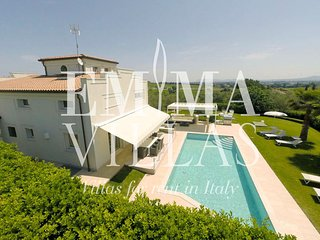 Villa Surya 8+2