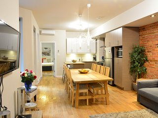 Plateau Mont-Royal / 4 bed + 4 bath + patio