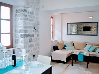 La Dolce Vita Ⅰ - Old Town Kotor Luxury Apartment