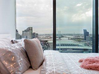 Cozy CBD Suites, AWESOME CITY VIEWS + FREE WiFi