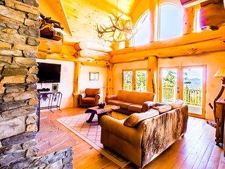 Burning Sky Lodge ( 4-Bedroom Home )