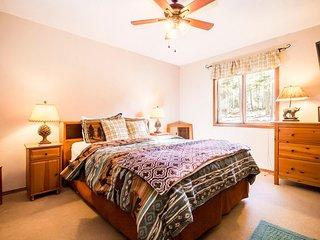 Sleepy Bear House ( 4-Bedroom Home )
