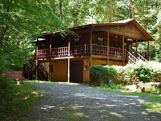 CHATTAHOOCHEE CHILLIN - 3BR/2BA, Sleeps 8, Path to Benton Mackaye Hiking Trail