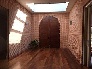 Chalet de 500 m2. en parcela de 5.000 m2.