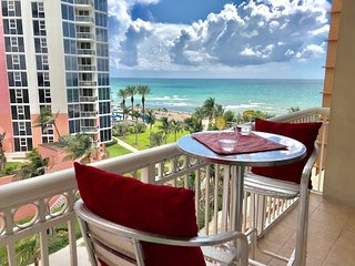 Studio with balcony on the beach. Fully equipped kitchen for your stay.