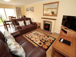 Seaside Bramley Cottage - Croft Acre in Port Eynon, Gower