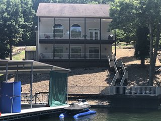 Quiet Cove, Enjoy Lake Life during your vacation!