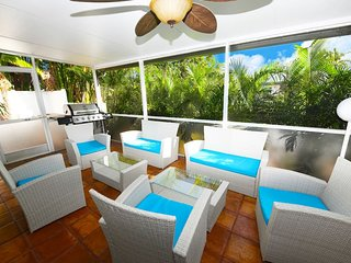 LS-0240 Heated & Saltwater Pool●Beach 9min●Wilton Drive 2min●Resort Style! ★★★★★