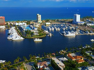 Waterfront 4Br 2Ba only 5min to Airport and Port