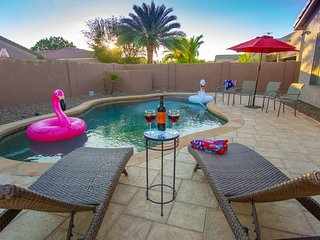 Resort Style Spacious Home w/Heated Pool in Sun Lakes/Ocotillo Downtown Chandler