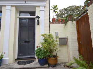 East Row Mews, Chichester