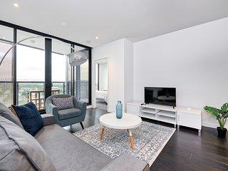 Luxury Designer Apartment with Infinity Pool