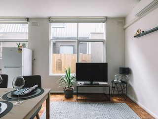 Cosy Melbourne Apartment Close to CBD