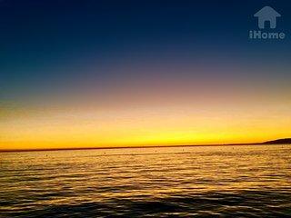 Beautiful Sunset in Santa Monica Beach *4
