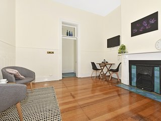 1 Bedroom Rosemount on Macfie - next to the CBD