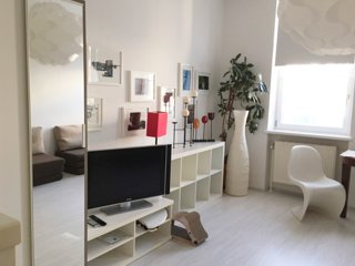 stylish and sunny studio in multicultural district