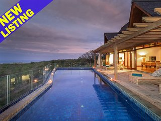 Secluded 4 Bedroom Luxury Villa in Nusa Dua;