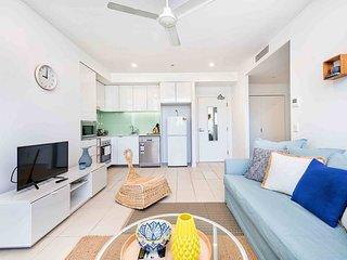 Bright 2 Bedroom Seafoam Apartment
